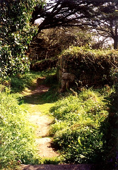 8path to chapel