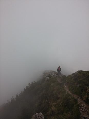 trail-984198_960_720